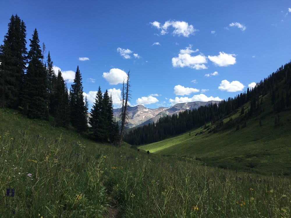 The backside of the Capitol-Snowmass area. (Andrew Kenney/Denverite)