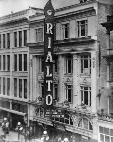 The Rialto Theater at 1540 Curtis St. in 1922. (Denver Pubic Library/Western History Collection/X-24729)
