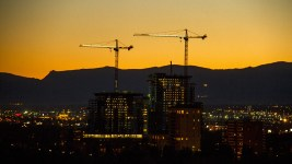 Cranes and a November evening. (Kevin J. Beaty/Denverite)