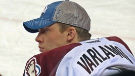 Semyon Varlamov will be out for at least four games with a groin injury. (Sergei/Flickr)