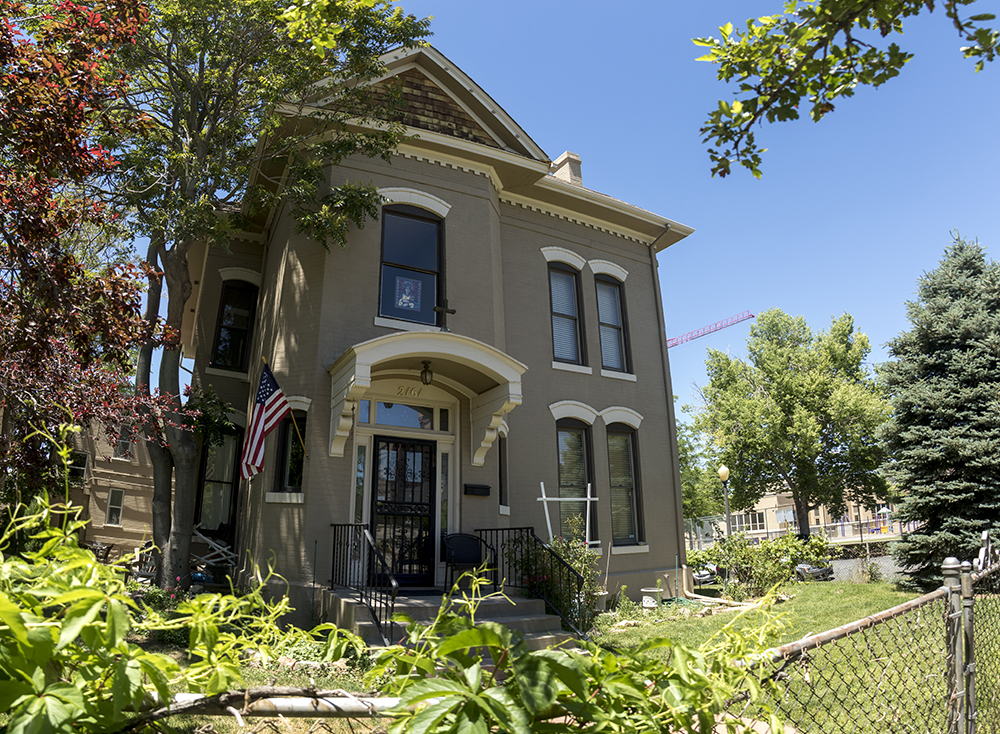 The Hall House at 2161 Tremont Place, now part of the Lanteri Center for Ignatian Spirituality. (Kevin J. Beaty/Denverite)  denverite; colorado; historic properties; residential real estate; kevinjbeaty; denver; five points;
