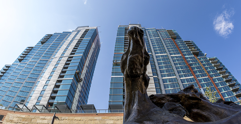 A horse statue outside of the newly-completed Country Club Towers, given by the Denver Architectural Foundation, Aug. 16, 2017. (Kevin J. Beaty/Denverite)  country club towers; residential real estate; apartment building; denver; colorado; denverite; kevinjbeaty; denver architectural foundation;