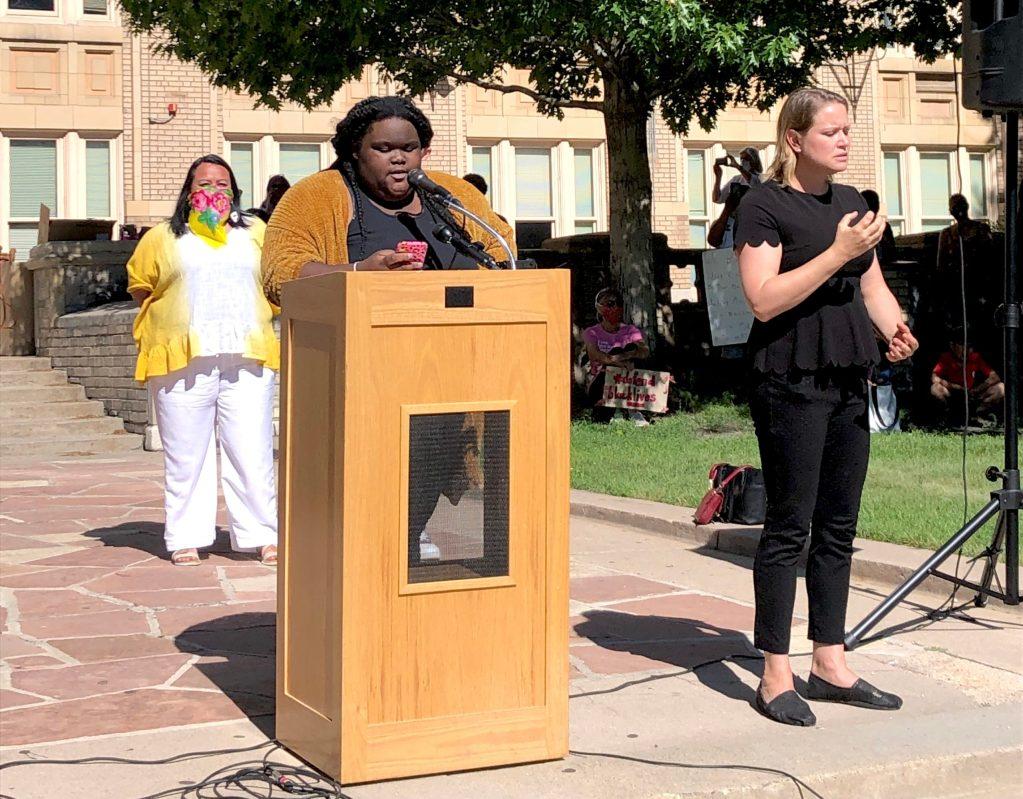 Denver Public Schools student Jahni Palmer speaks at West High School, June 5 2020. (David Sachs/Denverite)