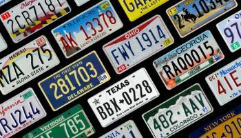 ¿Cómo cambiar las placas de un estado a otro en Estados Unidos?