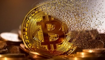 Bitcoin - Precio Bitcoin / 1° lugar del Top 20 Criptomonedas