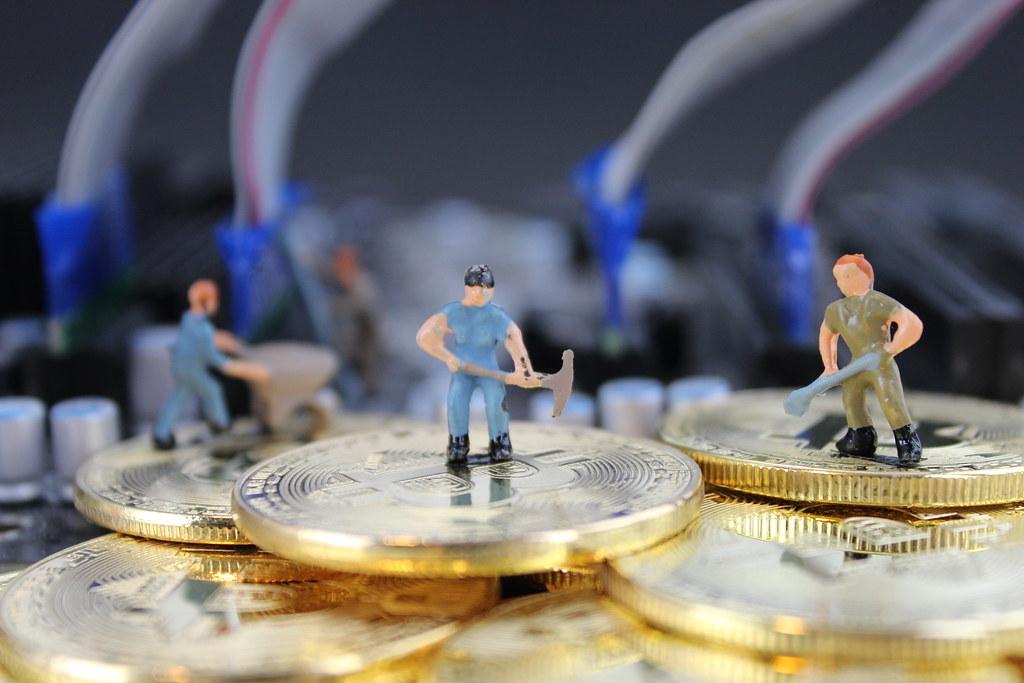 Minería blockchain: El reto de mitigar la centralización de los mineros