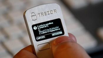 ¿Cómo instalar Trezor One y cómo pasar Bitcoin de Blockchain.com a Trezor?