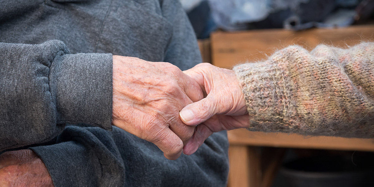 Joyful reunion of couple married for over 60 years, separated by COVID-19