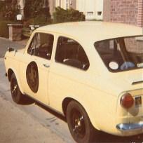 Mijn eerste auto: een FIAT 850. Kanariegeel met nummerplaat '9000L'. Te gek !! (1977)