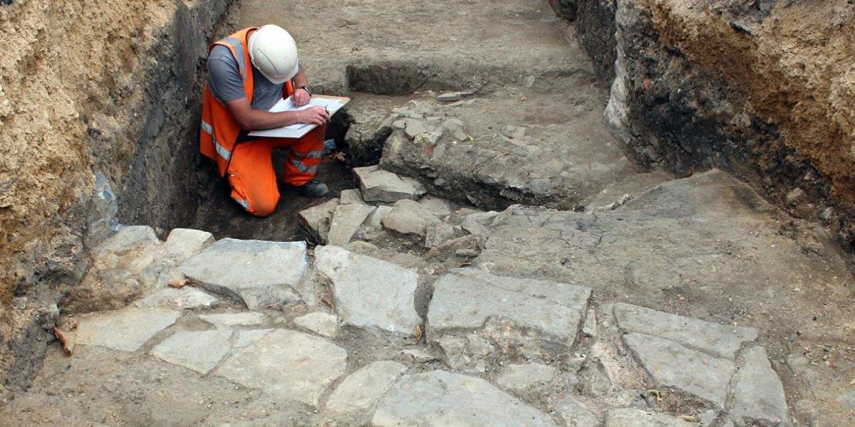 Un monastère médiéval retrouvé sous un garage de Gloucester