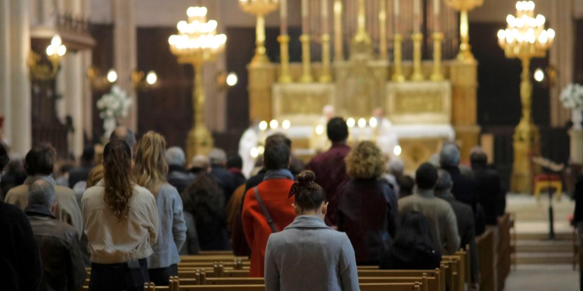 Reprise des messes : les catholiques mettent la pression