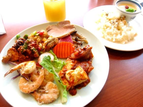 シェラトン沖縄サンマリーナランチブッフェ
