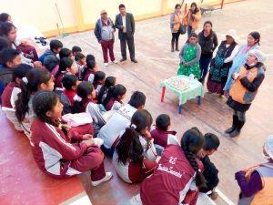 Estudiantes se capacitan en buenos hábitos alimenticios