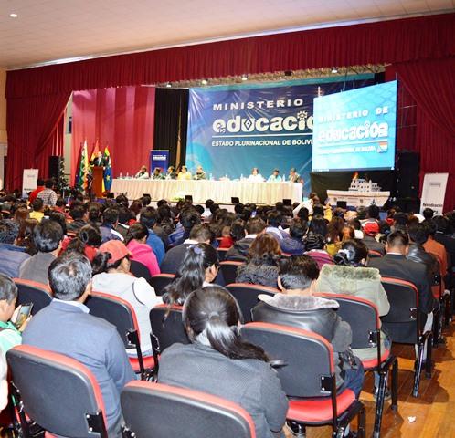 Más de 13 maestras y maestros participaron del curso de actualización sobre reivindicación marítima