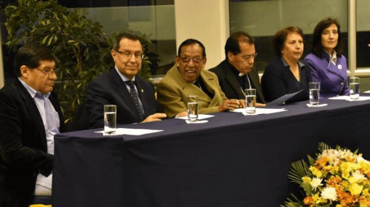 Cardenal Ticona pondera el aporte educativo de la Iglesia en Bolivia