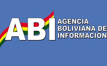 Presidente entrega infraestructura educativa en Challapata Oruro