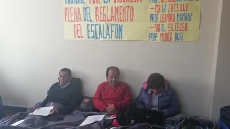 Maestros se declaran en huelga y Aguilar abre posibilidad de anular exámenes de ascenso