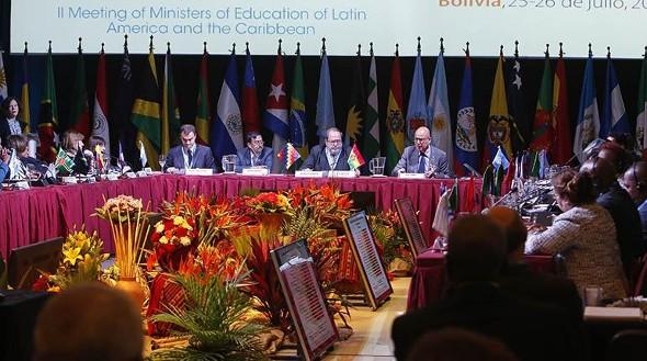 Ministros diseñan una hoja de ruta para mejorar la educación en la región