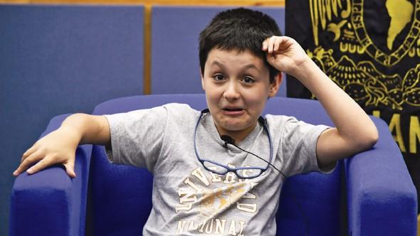 """Niño genio de 12 años entra a """"U"""" para estudiar biomedicina"""