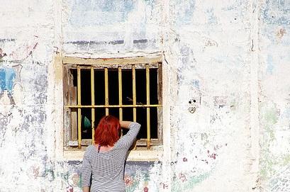 Problemáticas de las identidades femeninas en contextos de privación de libertad en Argentina