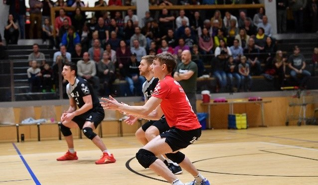 Volley League MEN / Weihnachtsstimmung beim NÖ-Derby