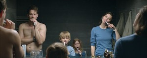 """The family that brushes together, in """"Force Majeure."""""""