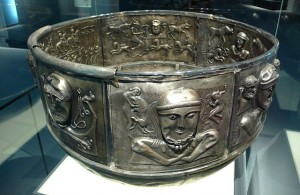 The Gundestrup Cauldron - By Rosemania - http://www.flickr.com/photos/rosemania/4121249312, CC BY 2.0, https://commons.wikimedia.org/w/index.php?curid=9404289