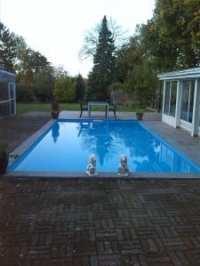 Nedgravet støbt pool