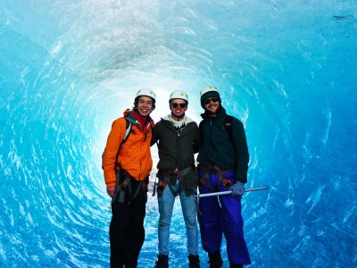 St. Olaf students stand in an ice cave on Vatnajökull Glacier.