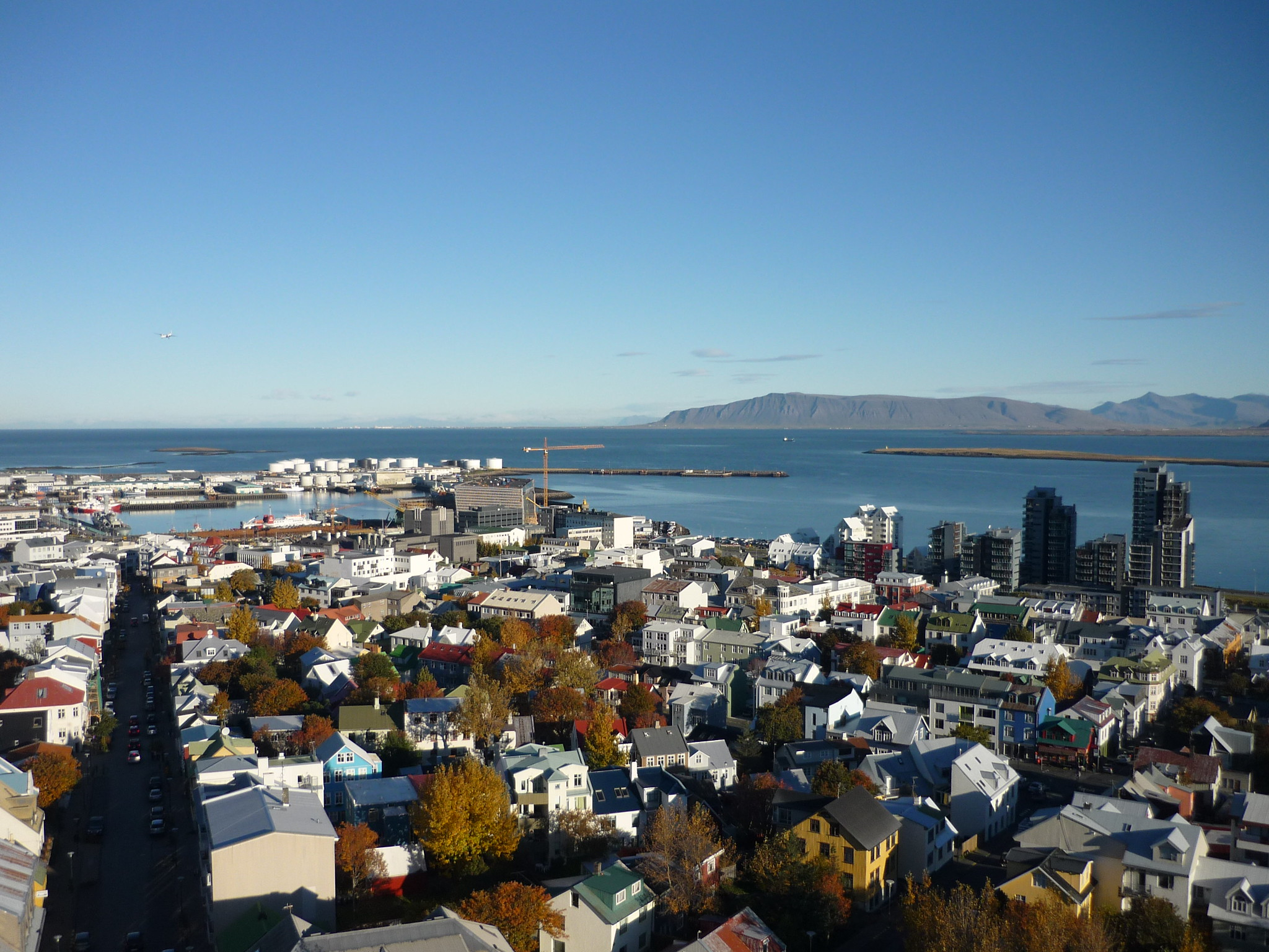 Nearly 40% of Icelanders are using a covid app—and it hasn't helped much