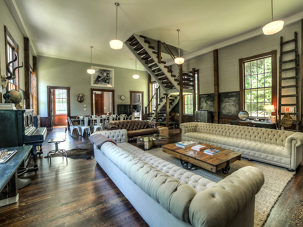 House Of The Week A Converted One Room Schoolhouse