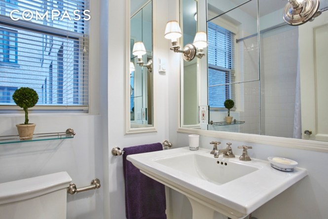 Jackie O Bedroom Office Bathroom