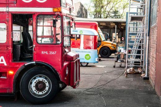 branding-eventmobil-foodtruck-messemobil-roadshow-truck-bau-koeln-8566