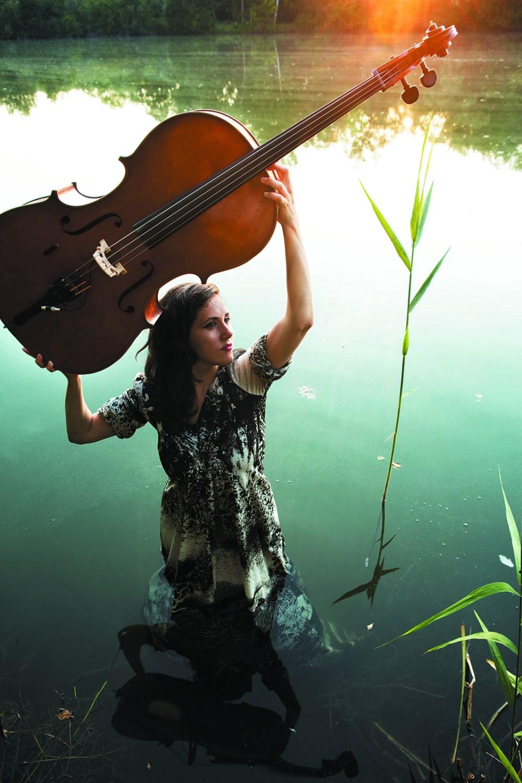 Ashia Bison Rouge_River Oder-Press Print_ft. Nadja Bülow
