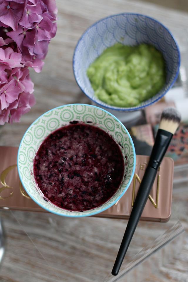 Heidelbeer-Joghurt-Gesichtsmaske, Avocado-Honig-Gesichtsmaske