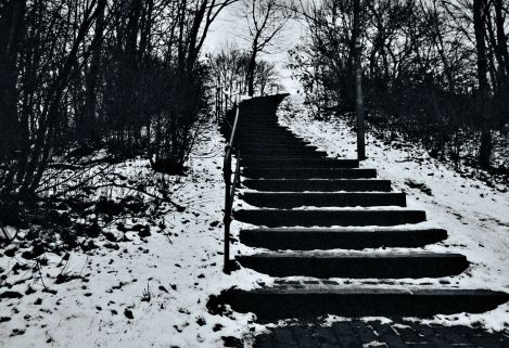 snowy_stairs_0001