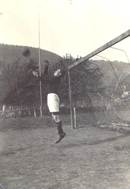 Torhüter Johannes Mönch in Aktion