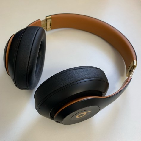 Beats Studios3 Wirelessヘッドフォン