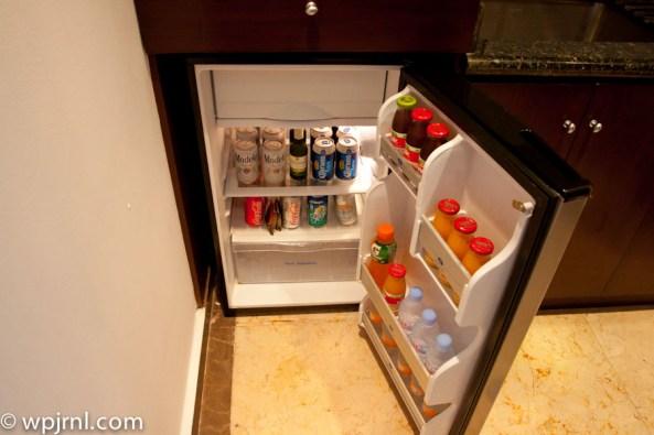 Hyatt Regency Cancun - Eternity Suite - fridge