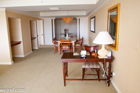 Grand Hyatt Kauai Deluxe Ocean Suite - Dining Room