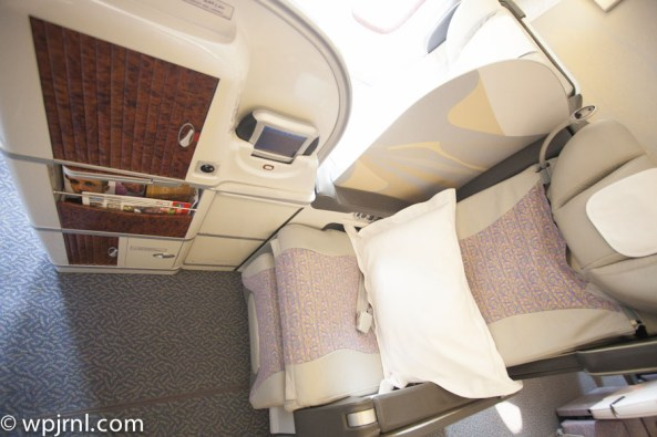 Emirates Boeing 777-200 First Class - Seat