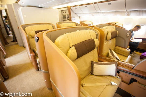Singapore Airlines First Class SQ211 SIN-SYD Boeing 777-300 (773) - First Cabin