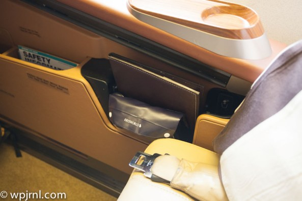 Singapore Airlines First Class SQ211 SIN-SYD Boeing 777-300 (773) - Amenities