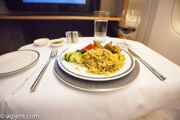 Singapore Airlines First Class SQ211 SIN-SYD Boeing 777-300 (773) - Food