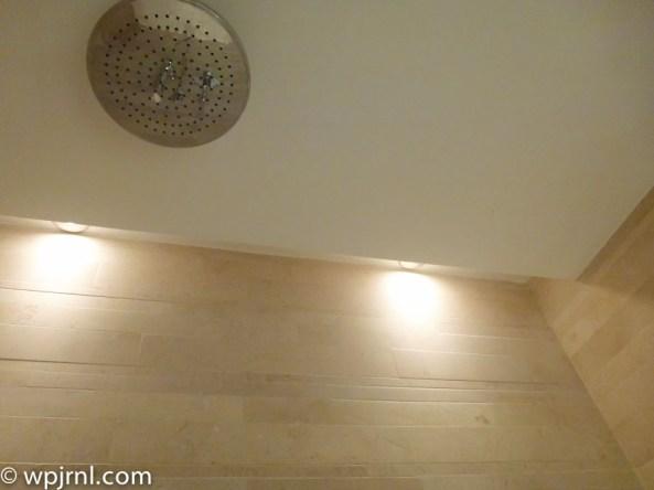 Hilton Bogota Suite - Bathroom