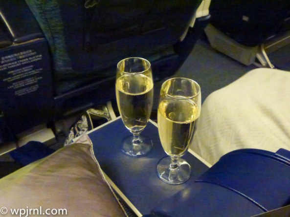 CX710 CMB-SIN Business Class - Champagne