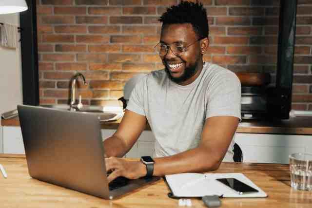 Man taking online course