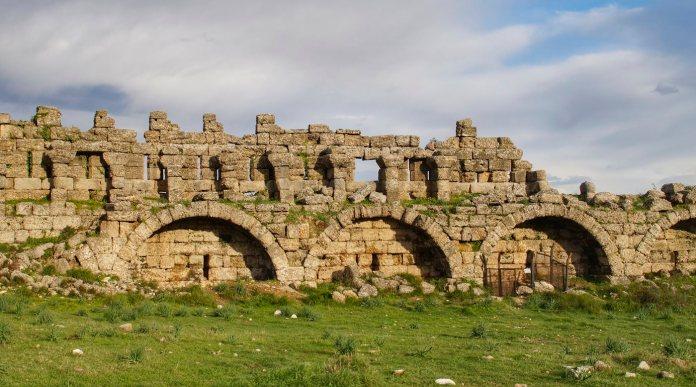 side ruiny