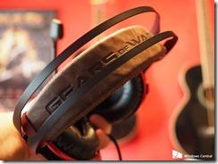 gears-4-headset[1]