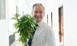 Biedroń chce medycznej marihuany w całej Unii